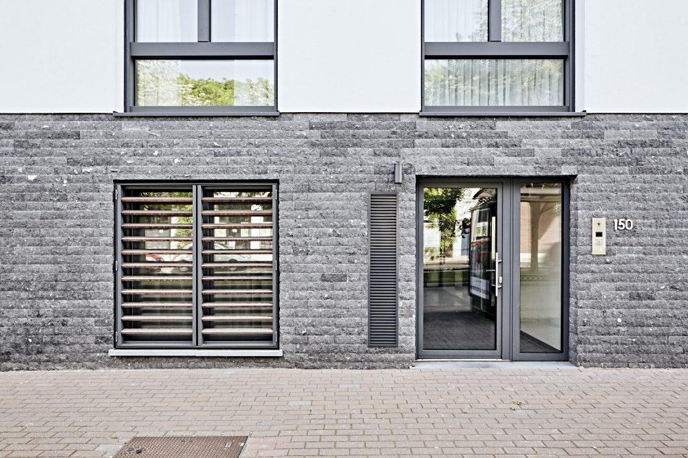 01 Pierre Bleue Belge - facade - clivoDECOR