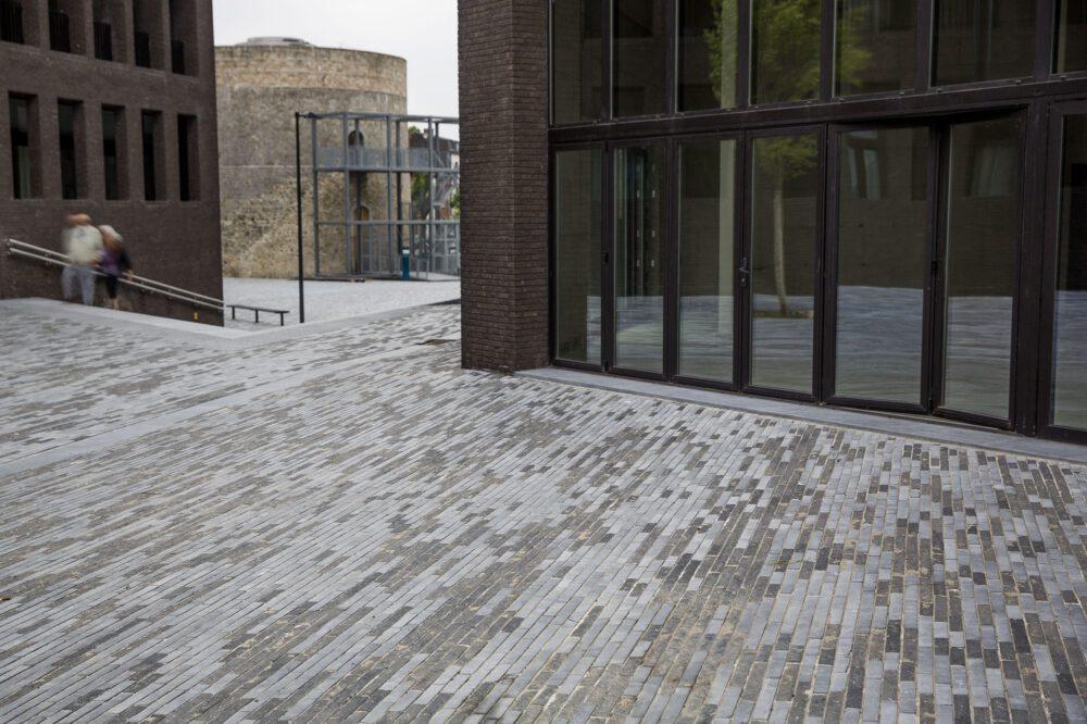 Belgian Blue Stone - Floor tiles petit granit - urban fittings and public spaces 3
