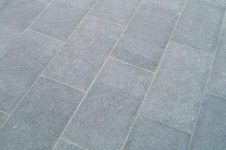 Belgian Blue Stone - Petit granit - Soignies Clear floor tiles - limestone