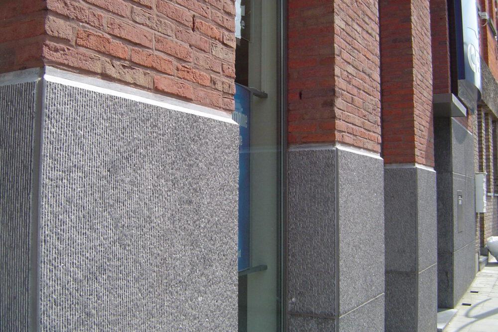 Belgian Blue Stone - Wall tiles Façade - petit granit - Sclype