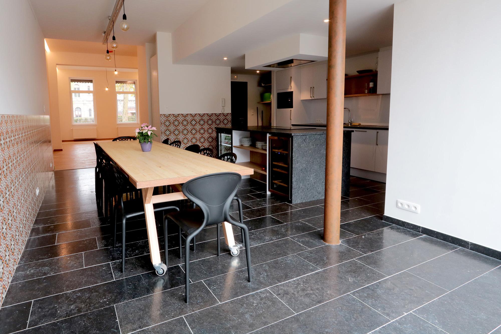 Belgian Blue stone - Floor tiles - Natural stone - Tiles Patinato - brushed