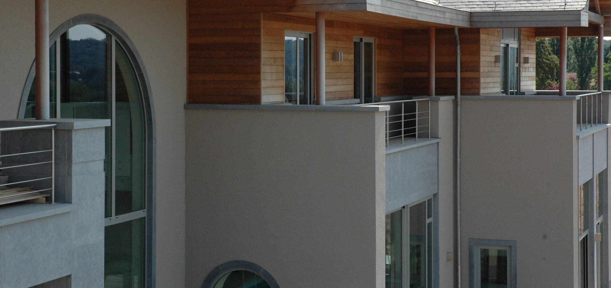 Pierre Bleue Belge - facade ambiance 2