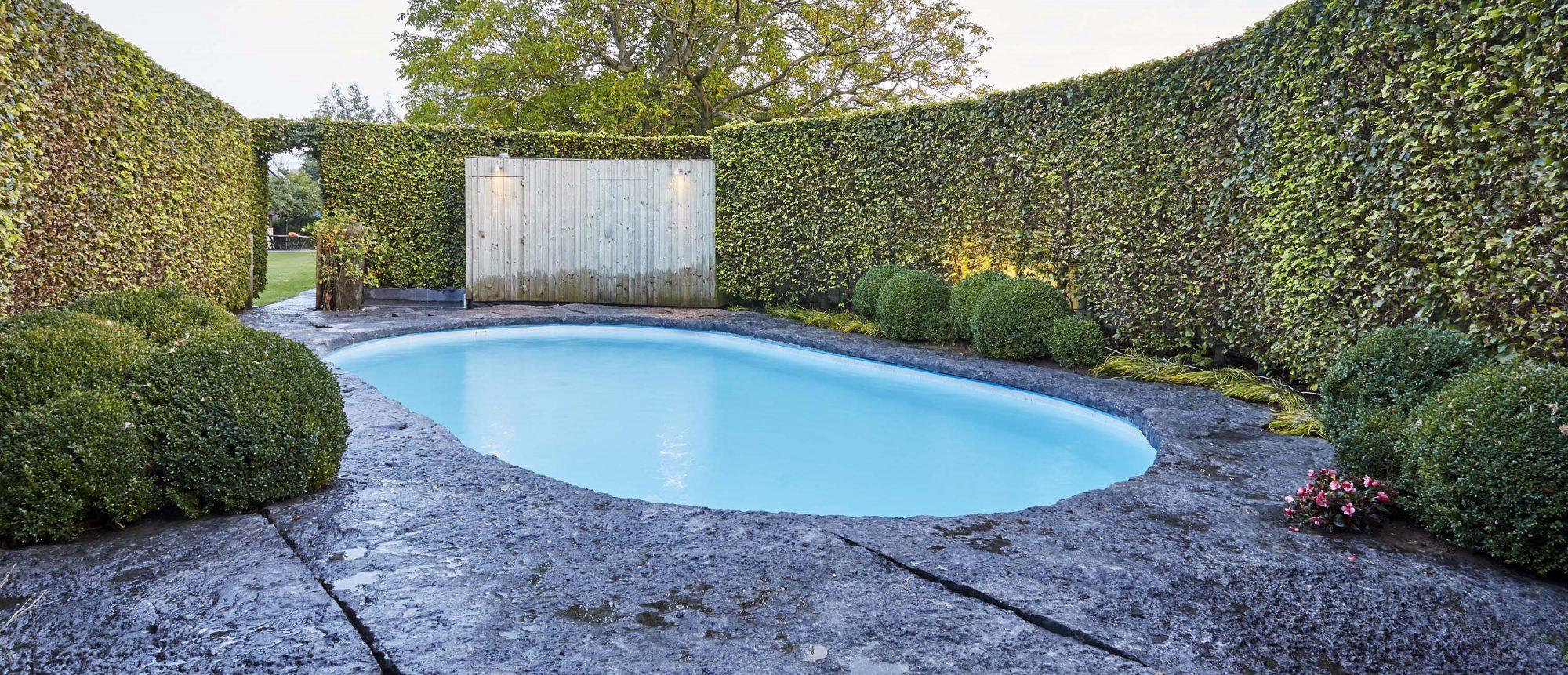 rond zwembad Belgische blauwe hardsteen 2