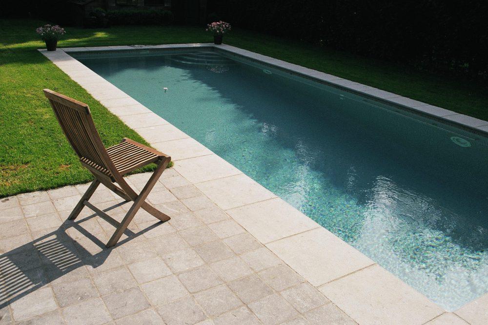 zwembad randen Belgische blauwe hardsteen