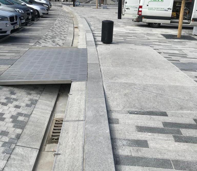 Blauwe steen Stedenbouwkundige renovatie van Moeskroen belgische blauwe hardsteen