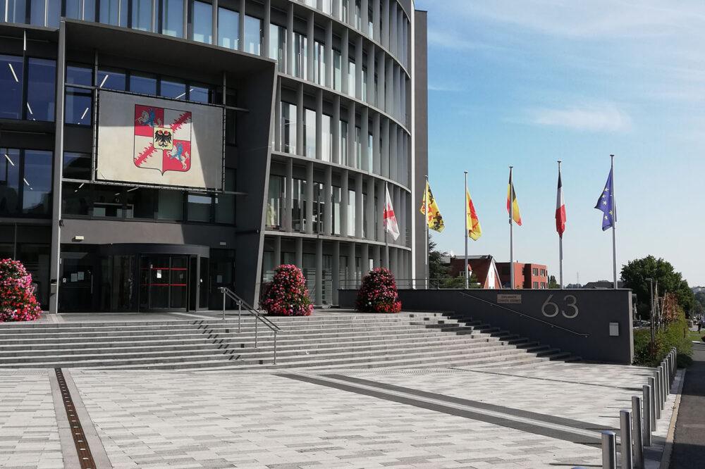 Blauwe-steen-Stedenbouwkundige-renovatie-van-Moeskroen-belgische-blauwe-hardsteen