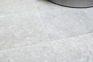 Belgische Blauwe Hardsteen - Vloertegels - Tegels Sabbiato Grijs