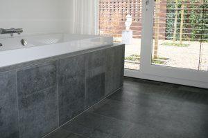 03 Pierre Bleue Belge - Salle de bains - Brut de sciage