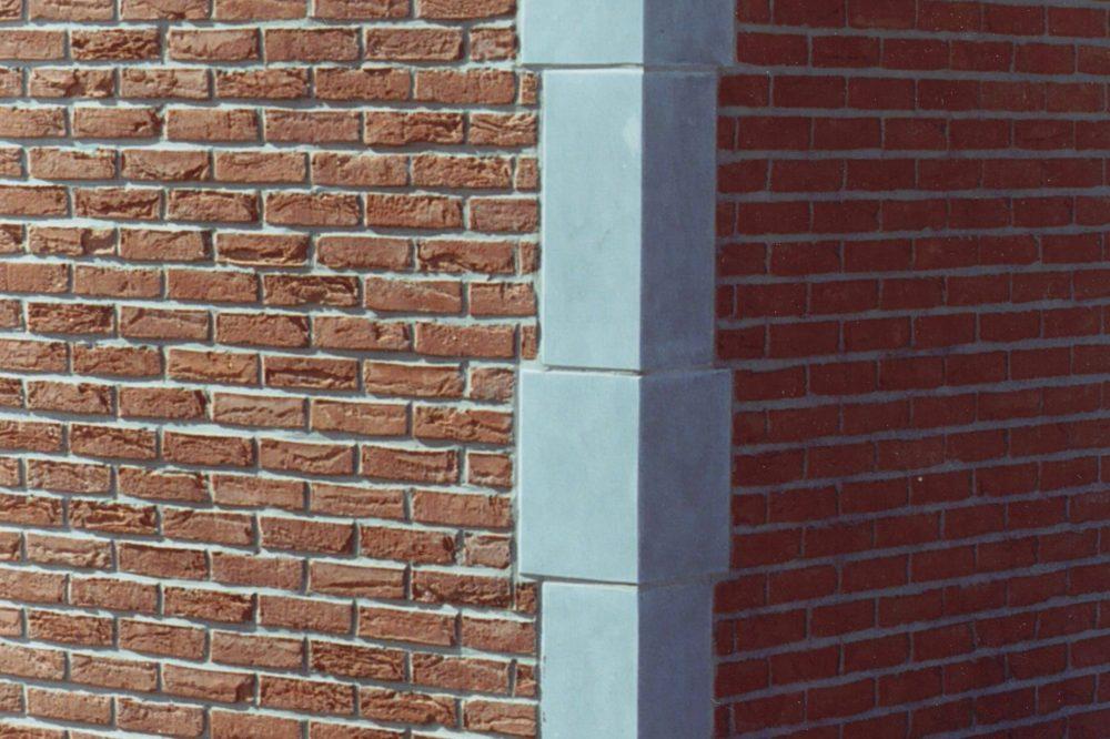 21 Pierre Bleue Belge - pierre angulaire Meulé