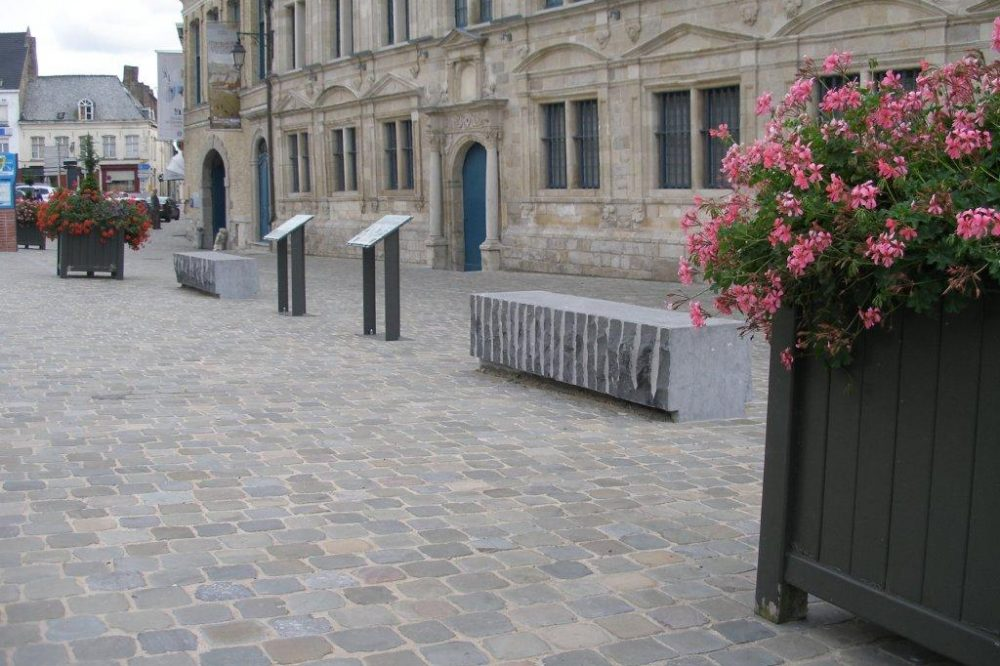 Pierre Bleue Belge - Banc croute et Meulé - Pavé Patrimoine (Cassel)