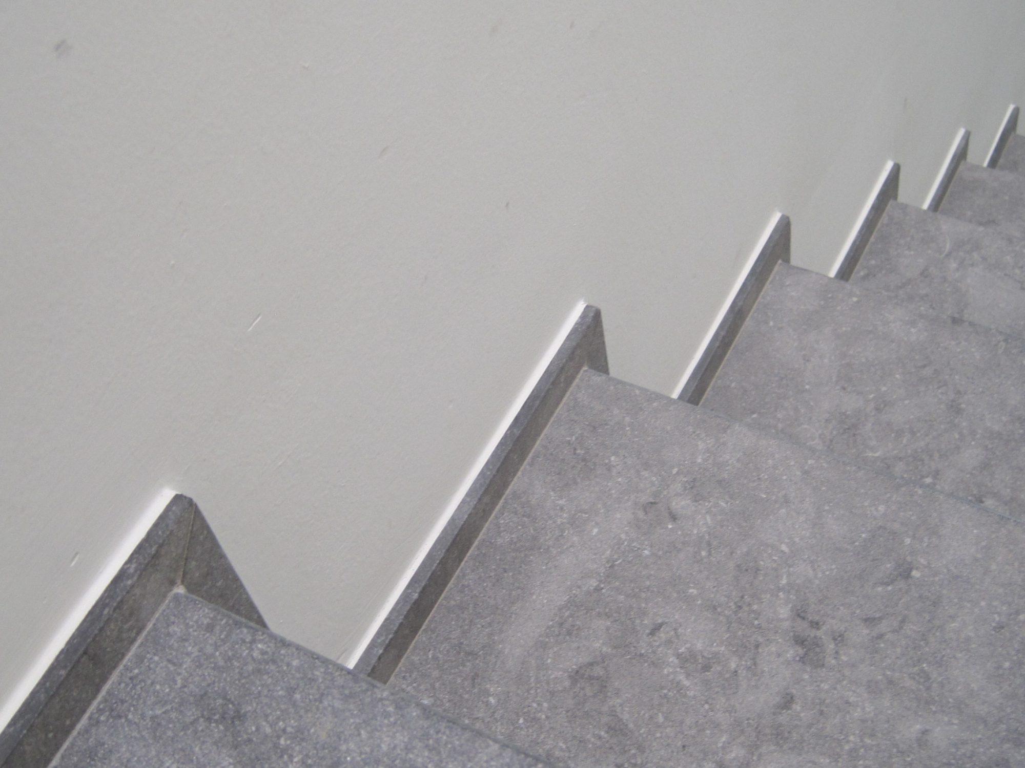 Pierre Bleue Belge - Escalier - Sabbiato Gris