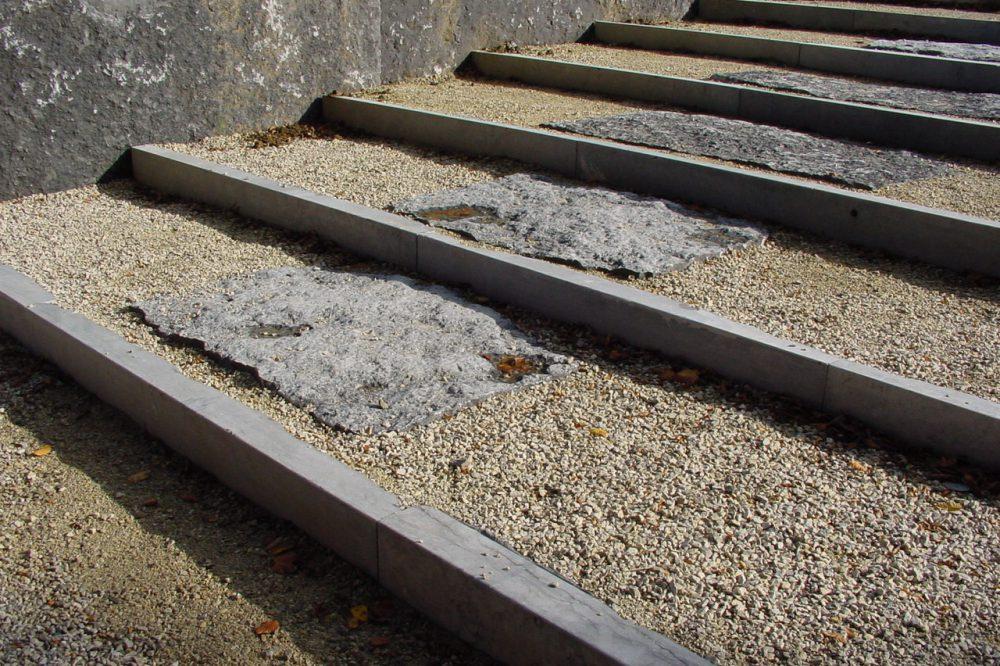 Pierre Bleue Belge - escalier - Bordure Brut de sciage et croute