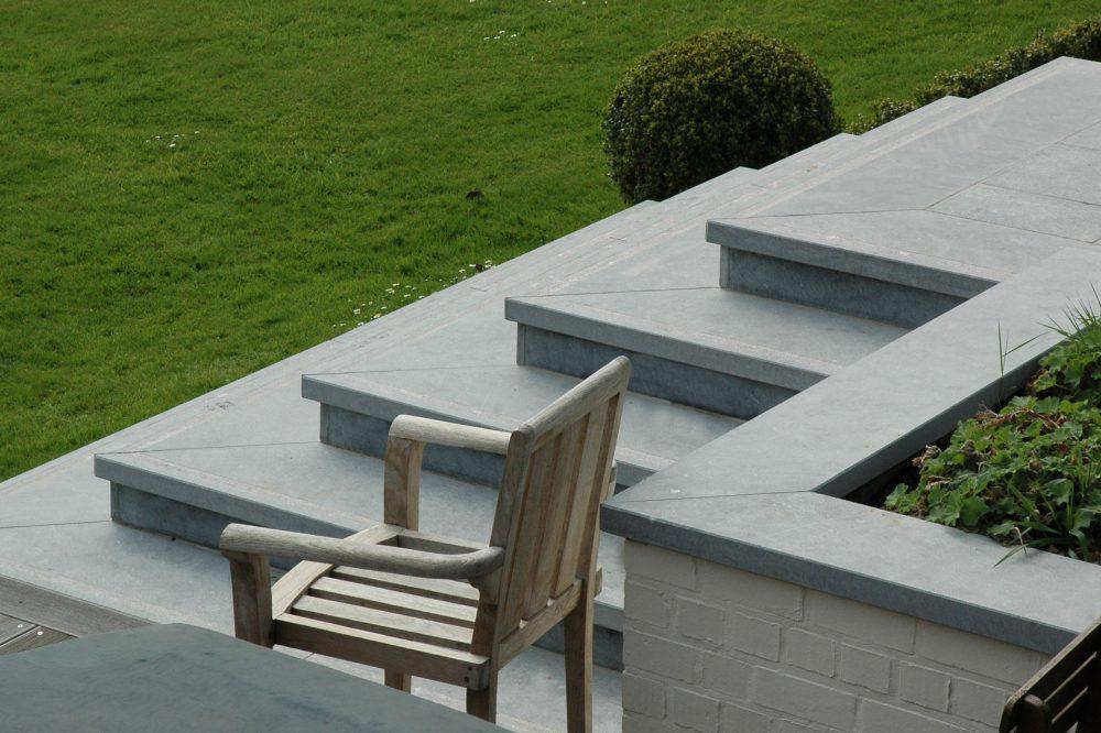 Pierre Bleue Belge - escalier marche contremarche jardin - Meulé