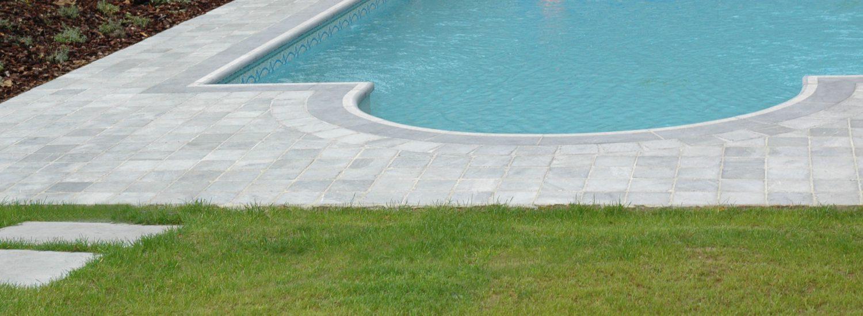 Piscine angles arrondis - pierre bleue belge