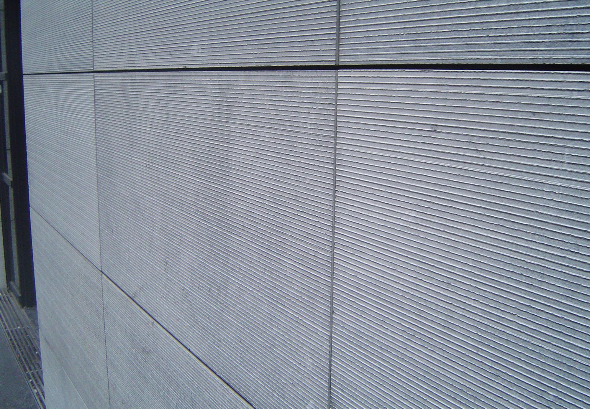 Pierre Bleue Belge - facade - Ciselé