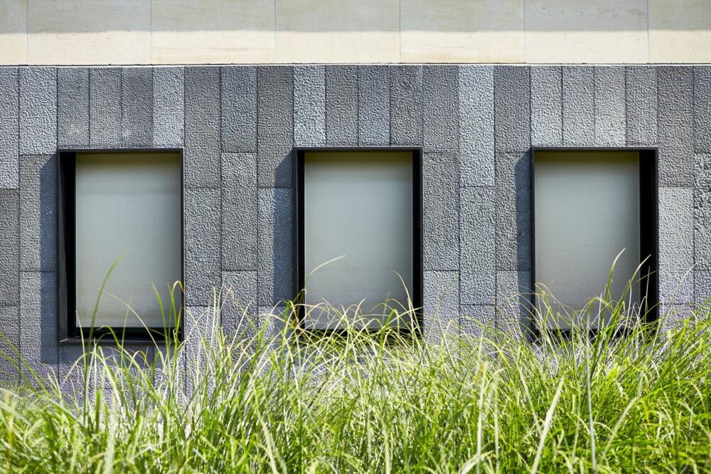 Pierre Bleue Belge - facade parement - Spuntato