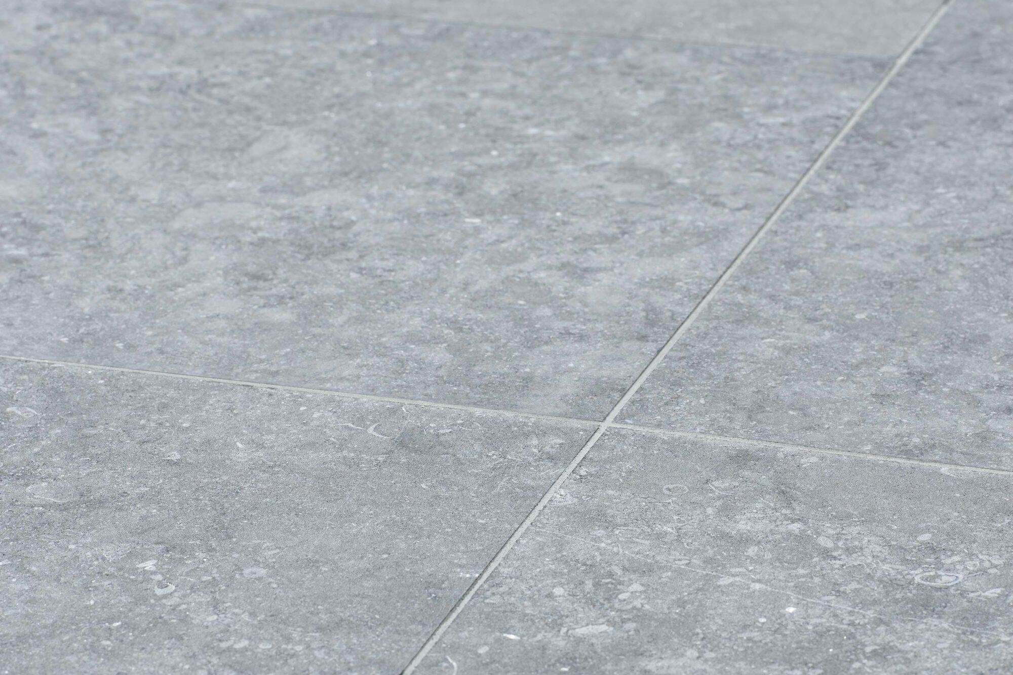 Pierre Bleue Belge - Dallage sol - Dalles finition Sabbiato gris